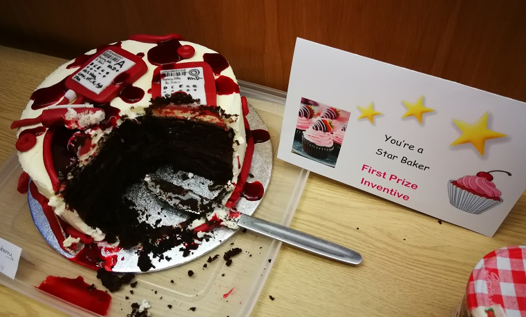 A prize-winning cake with a blood bag theme