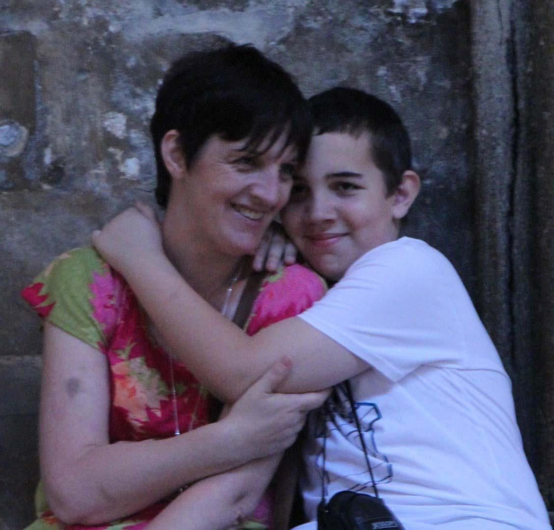 Ben and Karen Glean, hugging